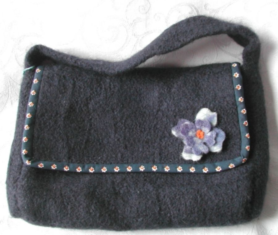 Grey bag with felted flower